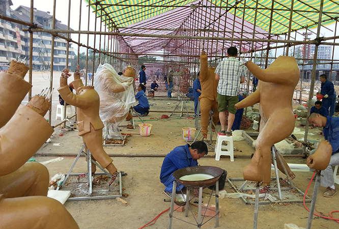 人物雕塑泥塑现场